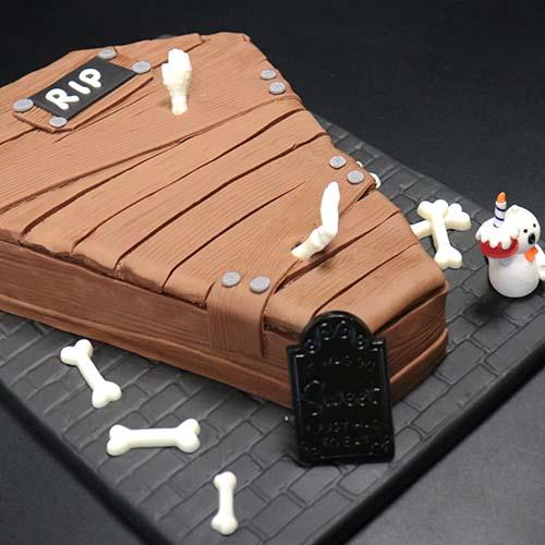 Gâteau cercueil en pâte à sucre