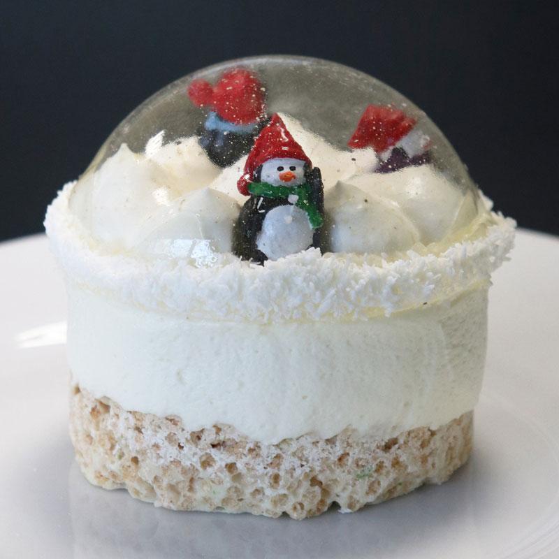 Gâteau du nouvel an boule à neige comestible