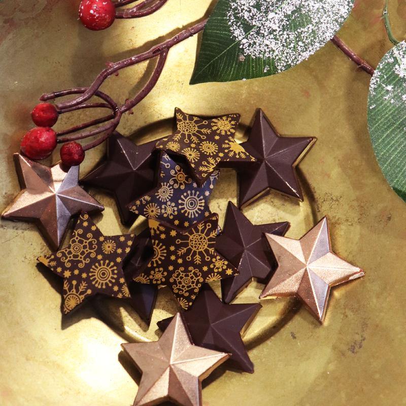 Bonbons en chocolat fourrés pour Noël